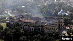 2백년 전통의 브라질 리우데자네이루 국립박물관이 2일 발생한 화재로 심각한 피해를 입었다.