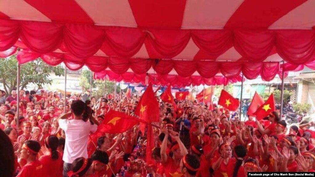 Hoạt động của Hội Cờ Đỏ bị cho là sách nhiễu giáo dân