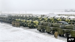 Ukraine - tanks on the border
