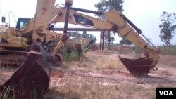 Máquinas abandonadas em Malanje estão a enferrujar