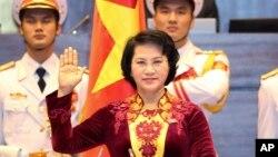 Bà Nguyễn Thị Kim Ngân tuyên thệ nhậm chức Chủ tịch Quốc hội tại Hà Nội, ngày 31/3/2016.