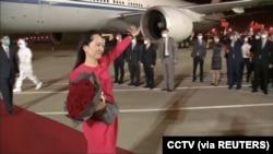 华为高管孟晚舟从加拿大抵达深圳宝安机场。(2021年9月25日)