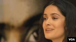 La actriz mexicana de 44 años relató los inicios de su carrera en Estados Unidos.