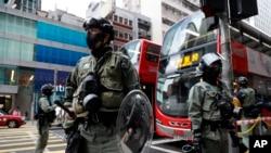 ہانگ کانگ میں گزشتہ چند ماہ کے دوران ہونے والے حکومت مخالف مظاہروں کے خلاف طاقت کے استعمال پر پولیس کو تنقید کا سامنا ہے۔ (فائل فوٹو)