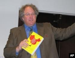南加州大学美中学院副院长杜克雷推荐新书