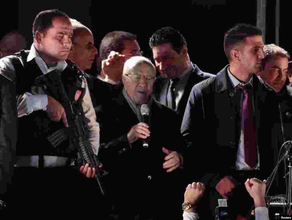 بزرگ سیاستدان الباجی قائد السبسی نے صدارتی انتخابات کے دوسرے مرحلے میں اپنی فتح کا اعلان کیا ہے۔