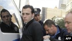 Người biểu tình bị bắt giữ trên đường từ công viên Zuccotti tới Quảng trường Times tại New York, ngày 15/10/2011