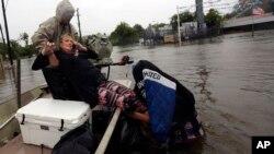Spasavanje žene u Hjustonu u Teksasu