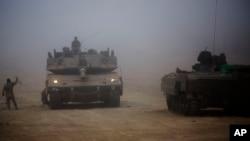 Xe tăng của Israel gần biên giới Gaza, ngày 24/7/2014.