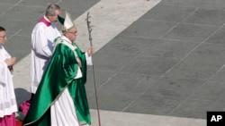 Mw'ijambo yama yashikirije buri ndwi I Vatican, Papa kur'uyu wa gatatu yatangaje ko abasivile bakwiye guhabwa agahengwe