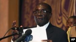 Presiden Zimbabwe Robert Mugabe mengajukan petisi untuk menunda pemilu khusus negaranya (Foto: dok).