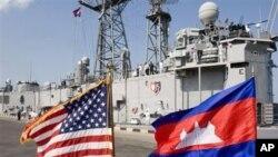 នាវាចម្បាំងសហរដ្ឋអាមេរិក USS Gary ឈប់សំចតនៅកំពង់ផែក្រុងព្រះសីហនុ ក្នុងទស្សនកិច្ចជាប្រវត្តិសាស្ត្ររបស់នាវានេះមកកាន់ប្រទេសកម្ពុជាពីថ្ងៃទី៩ដល់១៣ខែកុម្ភៈឆ្នាំ២០០៧។ នេះជាលើកទី១ដែលនាវាកងទ័ពជើងទឹកសហរដ្ឋអាមេរិកបានមកដល់