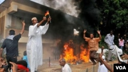 Para demonstran di Sudan melakukan serangan ke beberapa gedung kedutaan asing, termasuk Jerman dan Amerika (14/9). AS memutuskan untuk menarik para diplomatnya dari Sudan dan Tunisia.