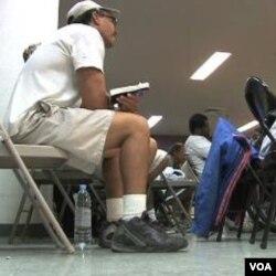 Para pengangguran dan tuna wisma di Las Vegas mendatangi Family Promise, badan nasional yang mencarikan tempat tinggal sementara dan membantu informasi pekerjaan.