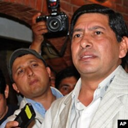 Maoist vice chairman Narayan Kaji Shrestha outside a Kathmandu hotel after inconclusive talks with other parties, 03 May 2010