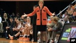 Pat Summitt es la la entrenadora que más victorias ha obtenido en la historia de la Liga NCAA.