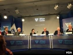 美國外交政策全國委員會參訪團報告發布會 (美國之音鍾辰芳拍攝)
