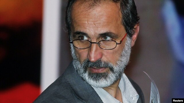 11일 시리아 반정부 단일연합체 대표로 선출된 무아즈 알 카티브.