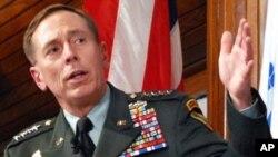 Jenerali David Petraeus, kamanda mkuu wa Marekani, Afghanistan.