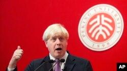 보리스 존슨 영국 런던 시장이 14일 중국 베이징을 방문했다. 존슨 시장은 중국인들의 영국 방문이 쉽도록 비자 발급을 간소화하는 방안을 추진할 계획이라고 밝혔다.