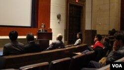 17일 미국 의회에서 상영된 영화 '이산가족' 시사회장에서 재미이산가족 상봉추진위원회 이차희 사무총장이 발언하고 있다.
