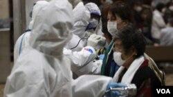 Muchos temen que se produzca una fuga masiva de radiactividad a la atmósfera.