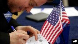 شاید حدود ۷۰ درصد ۲۲۶ میلیون امریکایی واجد شرایط رایدهی در این انتخابات شرکت کنند
