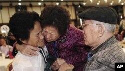 남북 이산가족 상봉 현장 (자료사진)