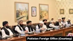 شاہ محمود قریشی کا کہنا ہے کہ ہماری خواہش ہے کہ فریقین مذاکرات کی جلد بحالی کی طرف راغب ہوں۔