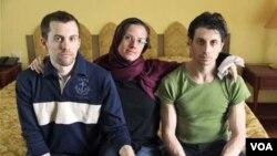 Tiga warga AS yang dituduh melakukan kegiatan mata-mata oleh Iran: Shane Bauer, Sarah Shourd dan Josh Fattal (foto: dok.).