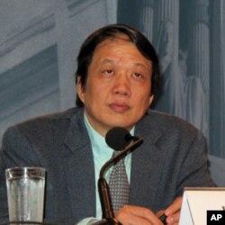 華東師大宗教與社會研究中心主任李向平