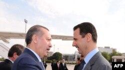 Başbakan Erdoğan ve Suriye Devlet Başkanı arasındaki geçen yıl çekilen bu samimi kare artık çok geride kaldı