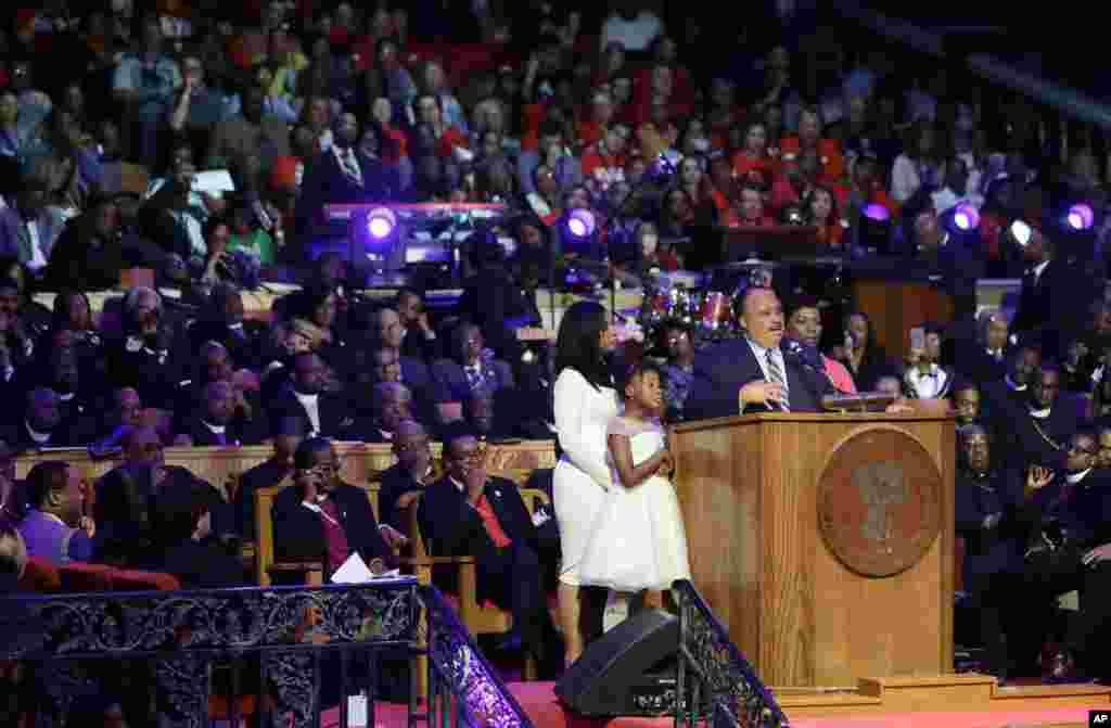 Martin Luther King III akiongea katika Kanisa la Church of God in Christ, Jumanne, April 3, 2018 huko Mji wa Memphis, Tennessee, Marekani.