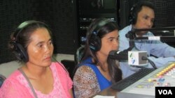 """Two representatives from the embattled neighborhoods appeared on """"Hello VOA"""" Thursday, explaining the ongoing problems they have had with Phnom Penh authorities."""
