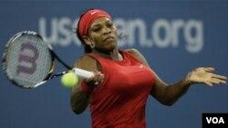 Serena Williams pasó de las posición número 10 al 17 en una semana. Las lesiones en la rodilla y una operación de pulmón han afectado el rendimiento de la estadounidense.