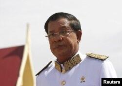 Thủ tướng Campuchia Hun Sen đang thực hiện chuyến thăm chính thức đến Pháp, nơi nhiều người biểu tình đòi ông từ chức.