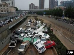河南鄭州一個隧道口被洪水淹沒後的情景。(2021年7月22日)