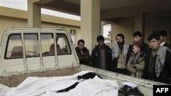 Một báo cáo do LHQ và Ủy ban Nhân quyền Afghanistan hợp soạn ghi nhận trong năm 2010 gần 3.000 thường dân chết trong các cuộc giao tranh, 75% số người chết này là trách nhiệm của Taliban.