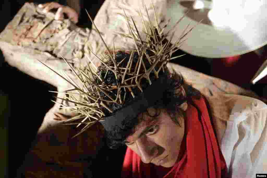 Jesús en el Viacrucis de Paraguay.