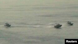 تصویر آرشیوی از قایق های کوچک مسلح ایران.