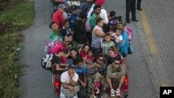 中美洲難民抵墨西哥擬進入美國。