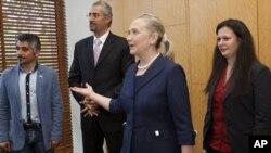 터키를 방문한 힐러리 클린턴(사진중앙) 미 국무장관