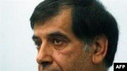 باهنر: آیت الله خامنه ای از قانونگذاران خواست اعضای پیشنهادی کابینه احمدی نژاد را تایید کنند