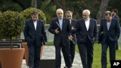 伊朗外长扎里夫和伊朗原子能机构负责人在谈判地点