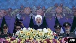 حسن روحاني نن په په یوه تلویزیوني وینا کې وویل چې ایران د ټرمپ هر ډول پریکړې ته بشپړ چمتو دی.