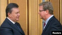 Виктор Янукович и Штефан Фюле