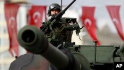 در پایگاه نظامی ترکیه در قطر، ۳۰۰۰ نیروی زمینی مستقر خواهد شد