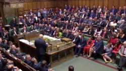 Réaction suite à la perte de la majorité absolue de Boris Johnson au Parlement britannique