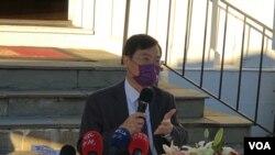 台灣經濟部次長陳正祺2020年11月20日在雙橡園記者會說明美台經濟繁榮夥伴對話成果(美國之音鍾辰芳拍攝)