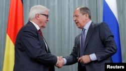Ngoại trưởng Nga Sergei Lavrov trong một cuộc họp báo chung với Ngoại trưởng Ðức Frank-Walter Steinmeier tại Moscow, ngày 14/2/2014.